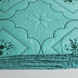 Fancy Embroidery Quilt 3pcs Set Size Queen
